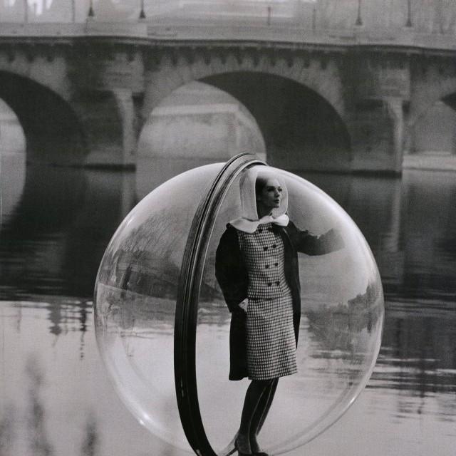 Sokolskt, paris : femme bulle